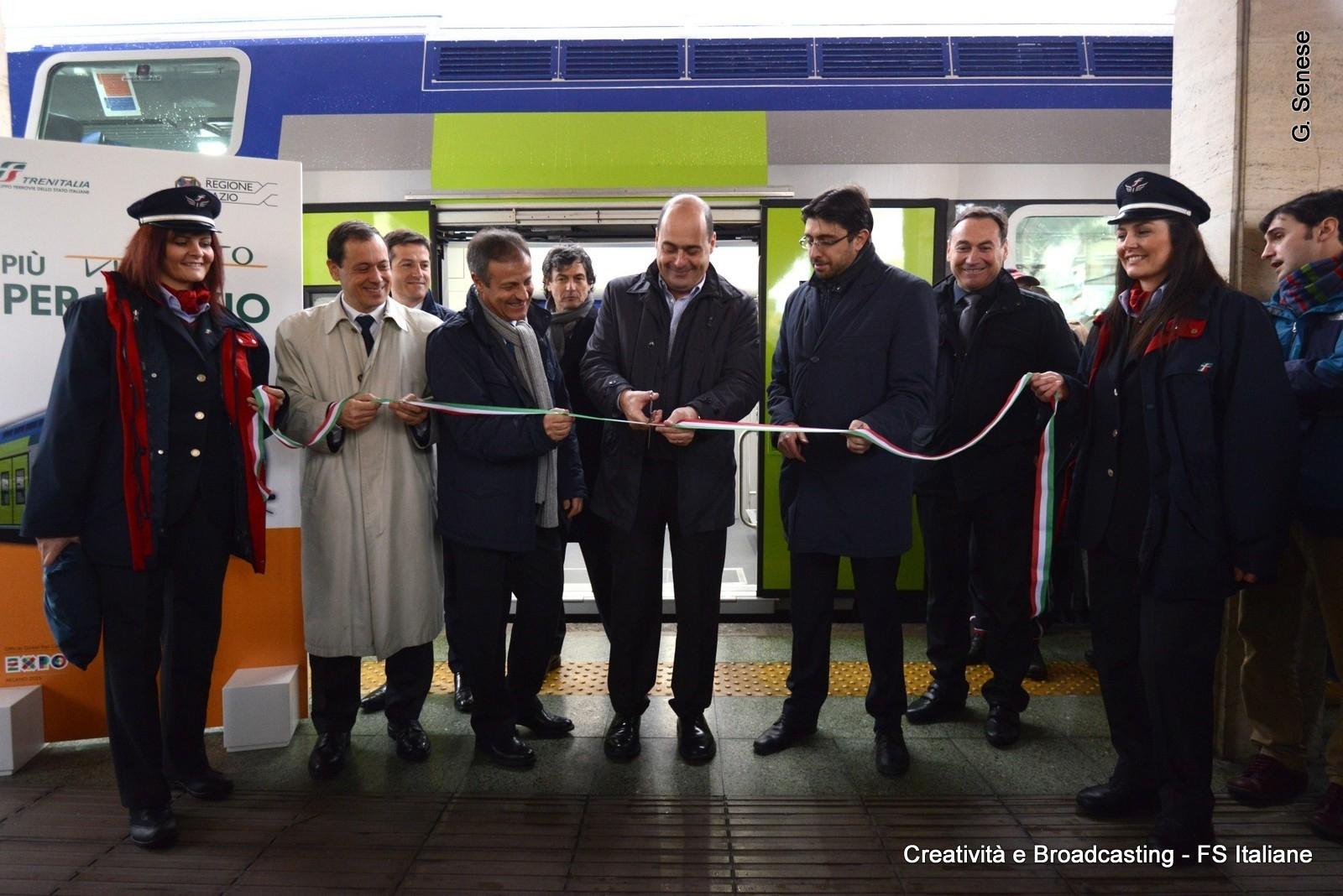Zingaretti e Soprano inaugurano il nuovo Vivalto sulla FR8 Roma-Nettuno - Foto Gruppo Ferrovie dello Stato