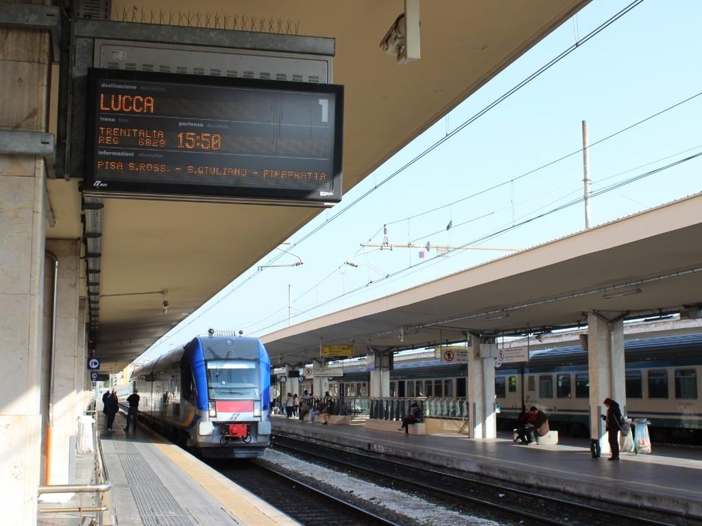 Primo servizio regolare da Pisa a Lucca per l'Atr220 Swing - Foto Cristian Giovangiacomo