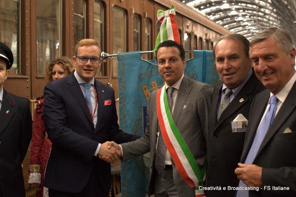 Il Direttore di Fondazione FS, Luigi Cantamessa e il sindaco di Varallo Sesia, Eraldo Botta - Foto Gruppo FSI