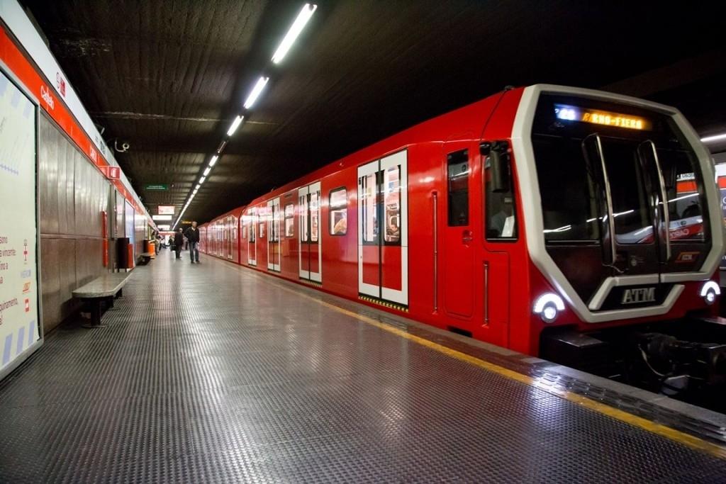 Il moderno treno Leonardo nella livrea Rossa della M1 di Milano - Foto Atm