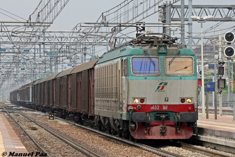Treno Merci in transito a Milano Rogoredo - Foto Manuel Paa