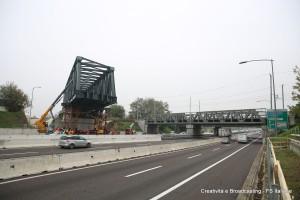 Il nuovo ponte sulla A14 della linea Bologna-Venezia durante le fasi preliminari - Foto Gruppo FS Italiane