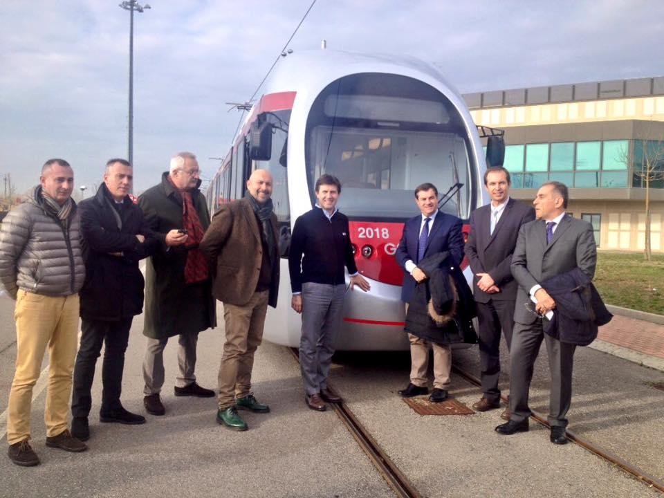 Il sindaco di Firenze Dario Nardella alla consegna del nuovo tram Sirio - Foto Dario Nardella
