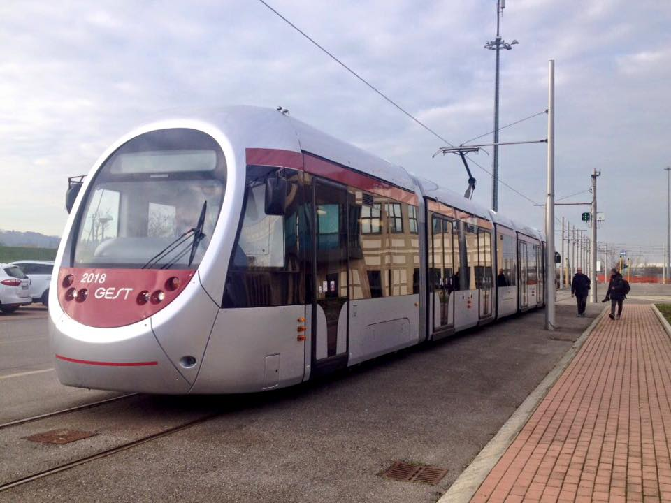 Il nuovo tram Sirio di Firenze per le linee 2 e 3 - Foto Dario Nardella