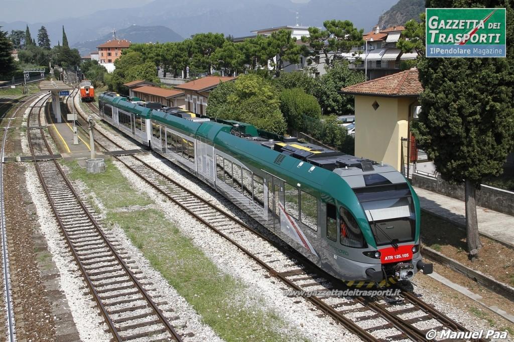 Il nuovo GTW Atr125.105 di Trenord della ferrovia Brescia-Edolo in stazione ad Iseo - Foto Manuel Paa